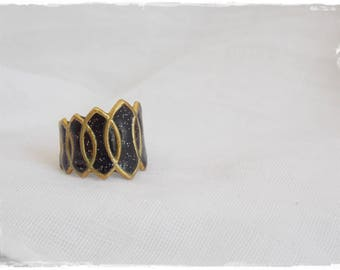 Black Glitter Ring, Gold Brass Ring, Geometric Knuckle Ring, Brass Knuckle Ring, Brass Midi Ring, Polymer Clay Ring, Gothic Knuckle Ring