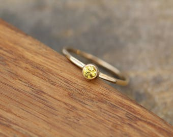 Yellow Sapphire 3mm Gold Stacking Ring, Glossy Finish - Thick Stackable - Hammered Texture - Yellow Sapphire Recycled Yellow Gold Ring