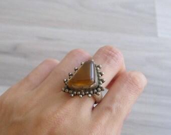 Vintage 70's Amber Brown Gemstone Triangular Hippie Silver Ring (Size 7.25)