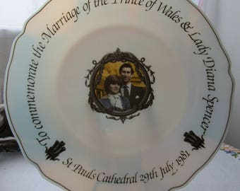 Arcopal France Vintage Prince Charles & Lady Diana Royal Wedding Commemorative Plate