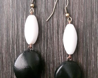 Pearly blacks - earrings, handmade chic