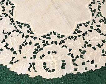 Battenburg Lace/Cutout Lace Table Topper Doilie, Retro, Round, Beautiful, Perfect Condition