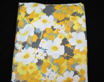 Logantex Original Fabric - Gray Yellow Floral Fabric - Vintage Flower Power Fabric - Floral Sateen Fabric - NOS - Free Shipping - 6PTT17