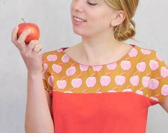 Red Apple Summer Top, Red Apple Shirt, Red Summer Shirt, Red T-Shirt with Appleprint, Appleprint Top, Apple T-Shirt, Apple Print Tee