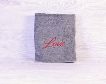 Love / Personalized Towel / Monogrammed Towel / Hand Towel / Wedding Towels / Embroidered Towel