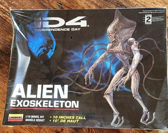 "Independence Day Movie ID4 10"" Tall Alien Exoskeleton Model Kit Manufactured by Lindburg 1996 1/10 Scale New in Sealed Box"