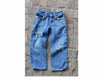 2T Boys Polo Distressed Jeans