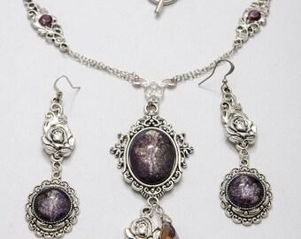 Arwen - necklace and earrings - elfic necklace - elves -tolkien -fantasy inspiration - purple lovers - elegant rose