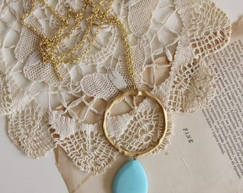 Light blue teardrop and Gold necklace | Long necklace | Gemstone jewels