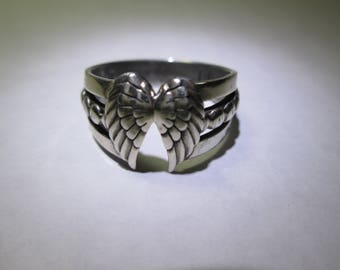 Ring, size 10... Angel wings... sterling silver