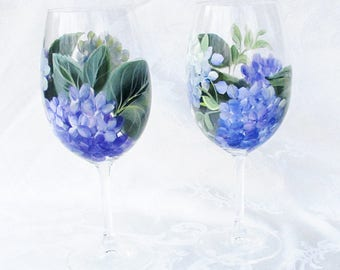 Hydrangeas Wine Glasses Pair ~ Woodland Wedding ~ Handpainted Hydrangeas ~ Beach Cottage Decor ~ Birthday Gift