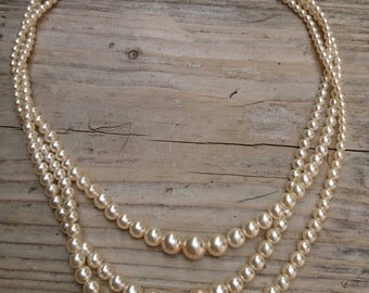 Vintage three strand glass Pearl necklace