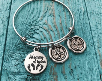 Mother of twins, Mom of twins, Mommy of twins, Birth announcement, Silver Bracelet, Charm Bracelet, Gifts for, New Mom, Twins Memorial