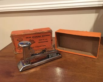 Vintage Pilot Stapling Machine Model 402 ~ Ace Fastener Chicago Illinois