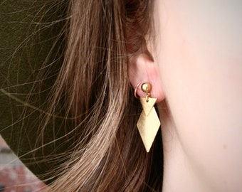 EARRING boho women, minimalist round stud, diamond and triangle shape brass charm.
