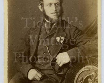 CDV Carte de Visite Photo Victorian Bearded Seated Man Big Neck Beard Portrait - G Hardy of Lincoln England - Antique Photograph