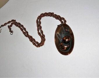 Retro 1970s Copper Pendant Neclace