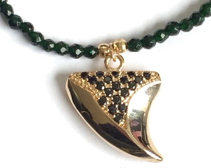 Choker necklace with agate beads and plated and pave shark tooth pendant