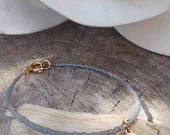 Hamsa bracelet. Beaded hamsa bracelet. Minimalist bracelet. Tiny beaded bracelet. Dainty beaded bracelet.Skinny bracelet. Delicate bracelet.