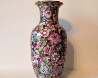 """VTG Qianlong Nian Zhi Stamped Vase Hand Painted in Hong Kong Flowers Peonies Purple Yellow Green Gold Chinoiserie 10.5"""" tall"""