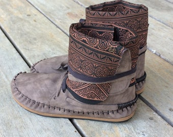 Vegan boot, fake leather & cotton hill tribe fabric