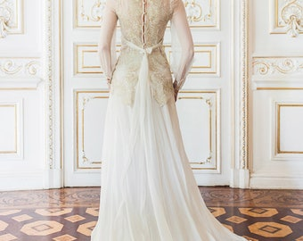 Bishop sleeve wedding gown with gold lace bodice // Coligny wedding dress