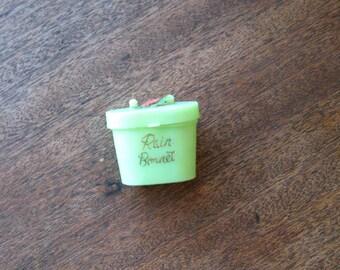 Vintage Rain Bonnet in Minty Green Mini Hat Box + Cupid-Embossed Plastic Sleeved Rain Hat~Midcentury Plastic Mini Gifts/Goodie Bag/Favors