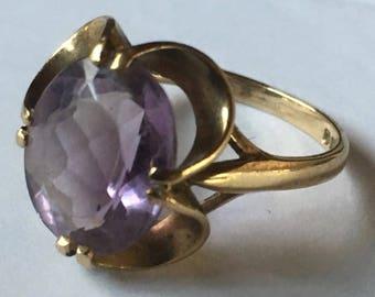 Vintage Hallmarked British 9ct Yellow Gold Amethyst Ladies Ring