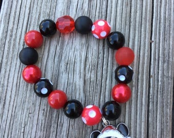 Mickey Santa Charm Bead Bracelet // Beaded Bracelet // Stretch Bracelet // Wrist Candy // Kid Bracelet // Mickey Mouse // Christmas