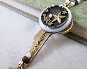 Key Pendant Necklace, Key Necklace, Star Button w Key Necklace, Key Jewelry, Vintage Button Necklace, Button Jewelry, Star Button Necklace