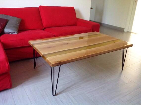 Mesa de centro con dise o nico en madera y resina epoxi clara for Resina epoxi madera