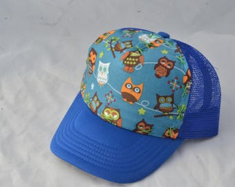 Owls sitting Toddler Trucker Hat