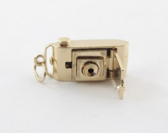 Vintage 14K Yellow Gold Photo Camera Charm Pendant - Retractable 3D Picture Camera Opens
