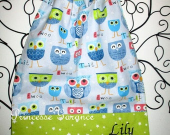 Canteen birthday * bib/napkin, canteen, with elastic at the neck - cotton blue owls - custom