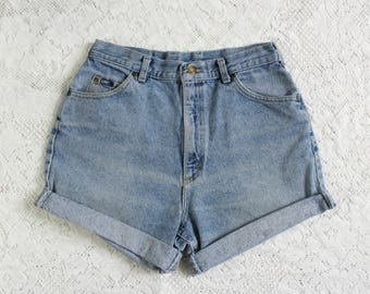 "90s Black Lee Denim Shorts // Vintage High Waist High Rise Rolled Cut Off Shorts // 30"" Waist"