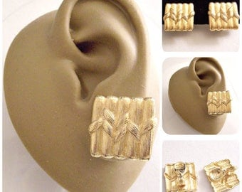 Monet Bamboo Wrapped Discs Clip On Earrings Gold Tone Vintage Square Brushed Deep Lined Column Buttons Comfort Paddles