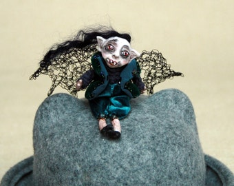 Halloween Brooch/ Halloween vampire / Scary Doll Brooch/ Halloween Decoration/ Halloween Art Decor/ Horror Art/ Brooches Doll/ Clay Doll/