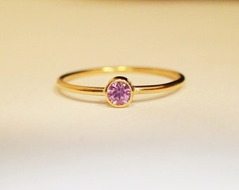 Ring 18 kt Gold pink Sapphire