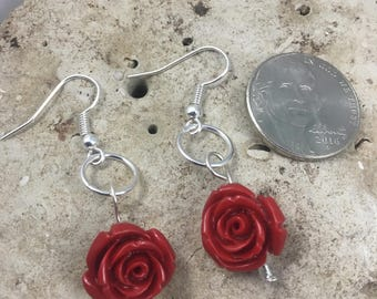 Earrings. Petite red rose dangle earrings. (627)