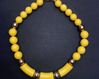Essential Flash of YELLOW for Summer 2017 - Vintage 1980s Big Bead Necklace- Very Bannanarama