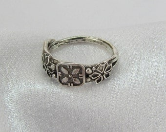Item 176- Handcrafted, sculpted, carved  999 Fine and 925 Sterling Silver Petite Antique Style Ring with Beautiful Embellishments - Size 5