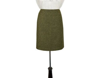 """21"""" Skirt in Helmsdale Tweed"""