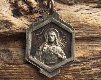 French catholic vintage medal VIRGO CARMEL, religious item  Sacred Heart of Jesus ref M78