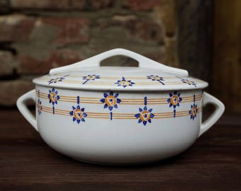 Tureen Sarreguemines 1930-40s. Made in France.