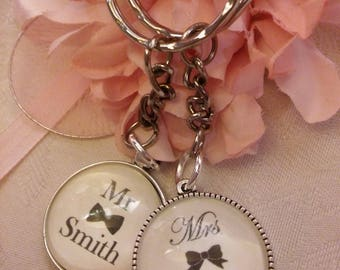 Custom made Mr and Mrs keyring key chain Personalised set Wedding Gift Present Keepsake Mr & Mrs