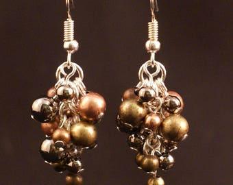 Hollow metal beads grape-shaped earrings