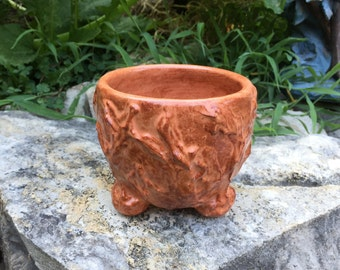 satin hibiscus shino tea bowl with textured exterior
