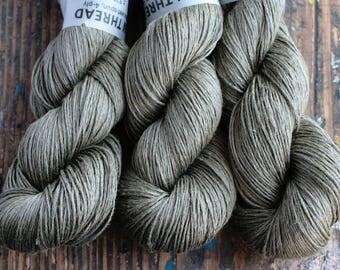 Linen yarn -- 4-ply - fingering -- 001