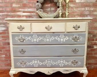 Vintage Dresser, Shappy Chalk Painted Dresser, Antique Furniture, Painted Furniture