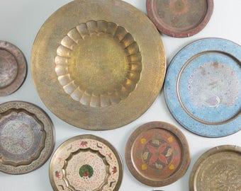 "Vintage 22.75"" Brass Round Serving Tray Decorative Plate"